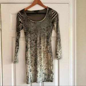 Forever 21 soft crushed velvet long sleeve dress S